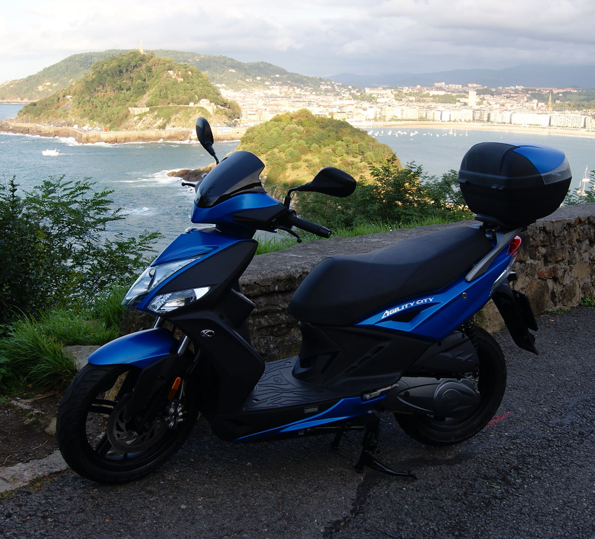 Rental scooter  Kymco Agility City 125 cc