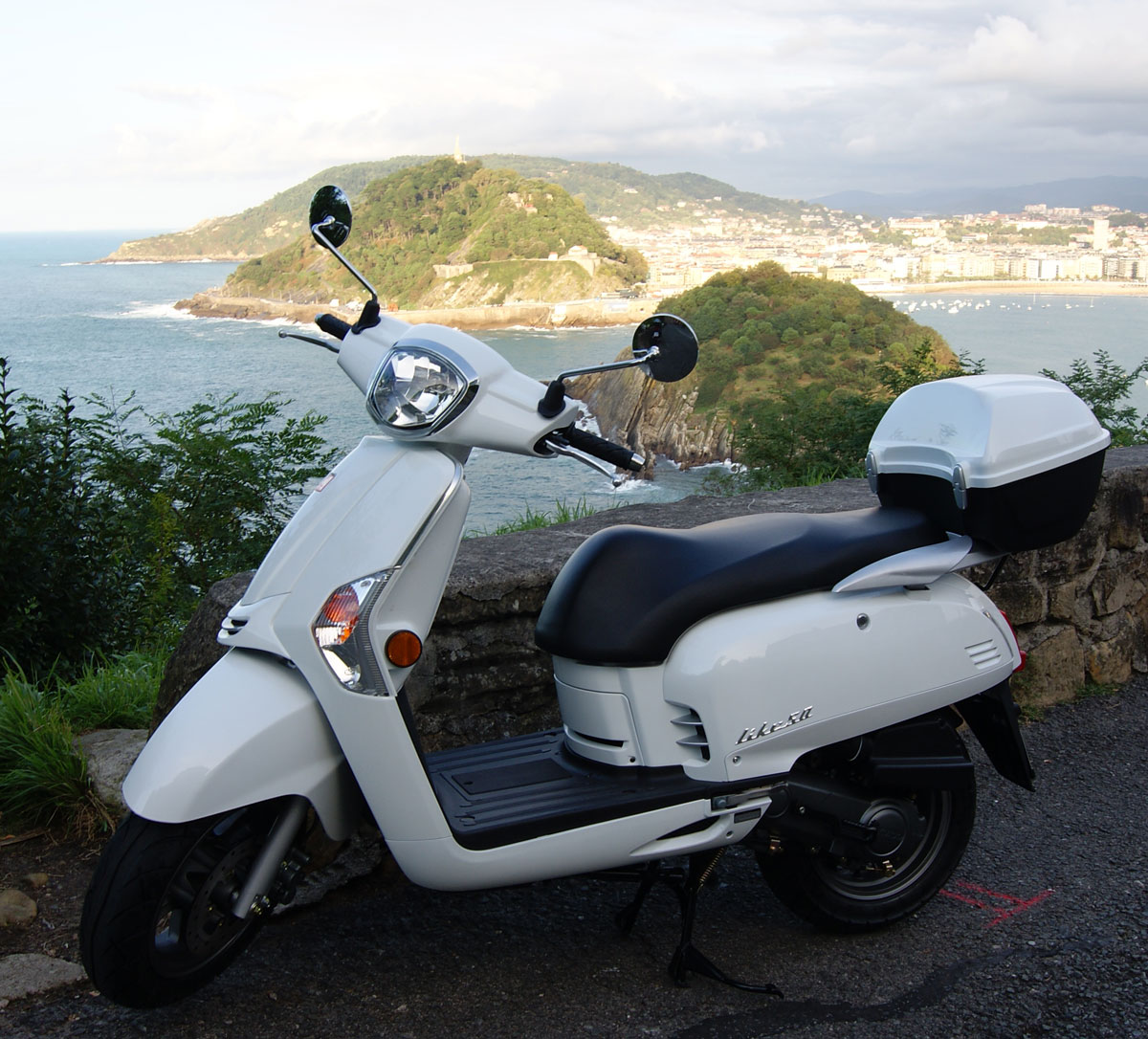 Rental motorcycle  Kymco Like 50 cc